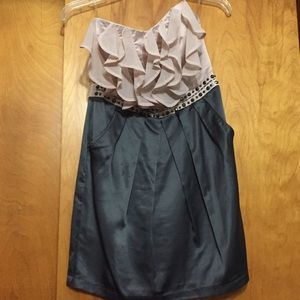 Cute strapless mini dress!